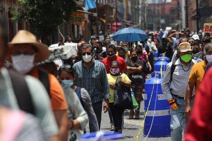 Del total de casos confirmados en México, las autoridades de salud revelaron que solo 30,682 fueron considerados como activos (Foto: REUTERS / Henry Romero)