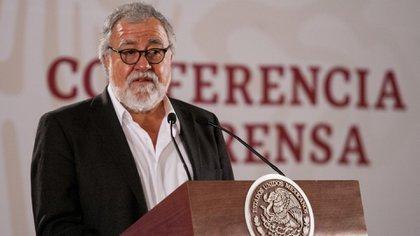 Alejandro Encinas, subsecretario de Derechos Humanos, mencionó que se han asignado más de 341 millones de pesos a las comisiones de búsqueda (Foto: Cuartoscuro)
