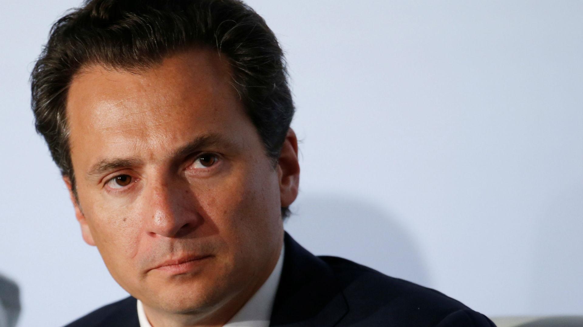 Emilio Lozoa, el hombre que amenaza con desatar una tormenta política, llegó a México.