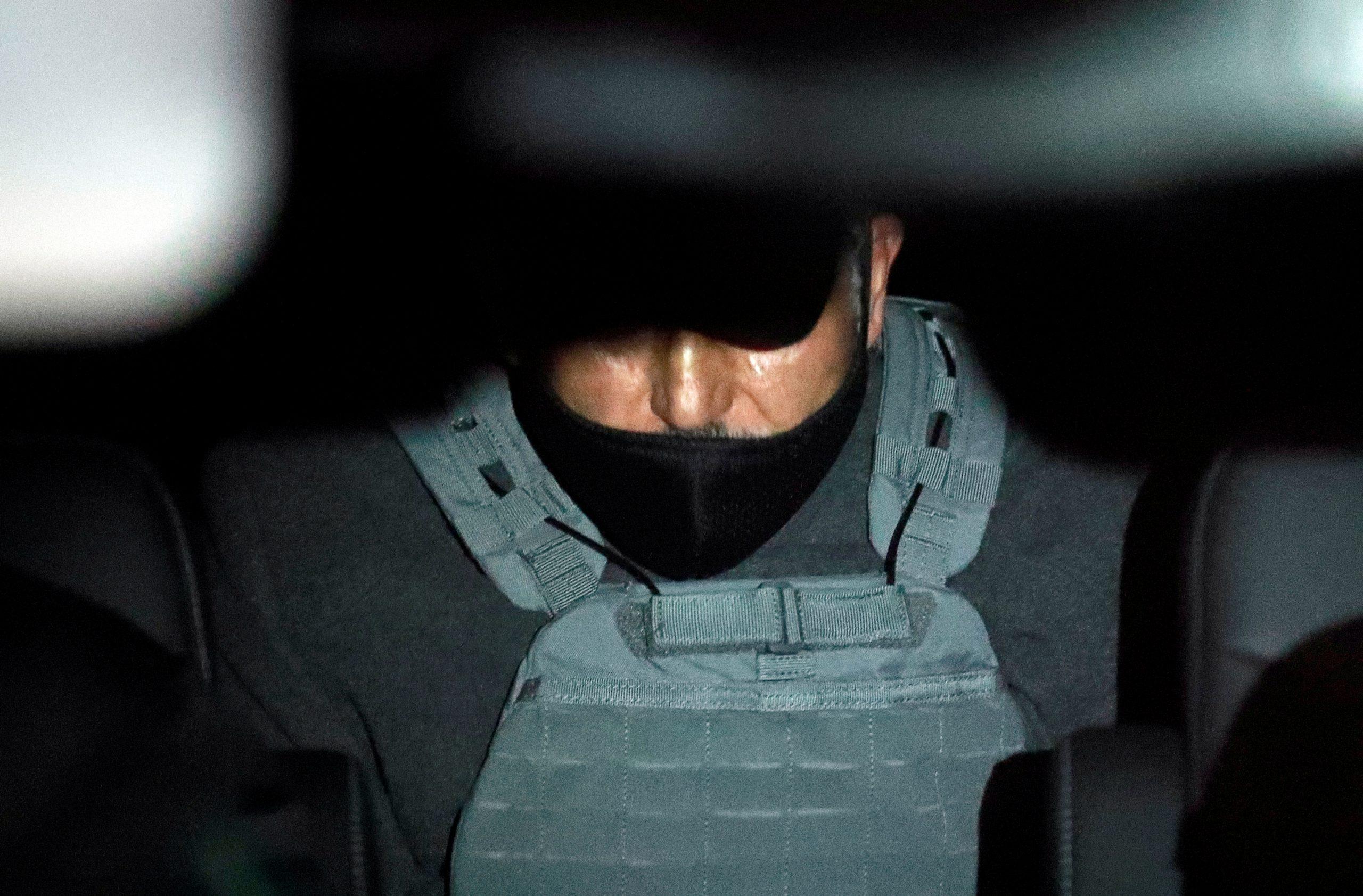 Emilio Lozoa llega a la Prisión del Norte acompañado por la FGR Guard Guardia Nacional