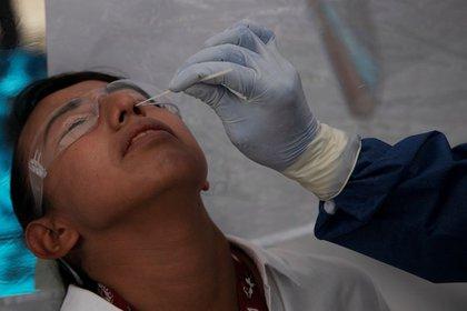 Hay 9.300 casos confirmados y 468 muertes acumuladas en Coahuila (Foto de Reuters)