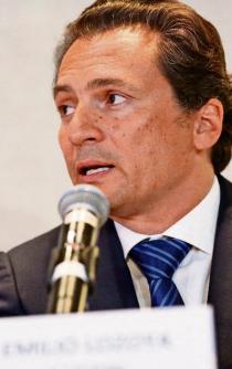 El ex CEO de Pemex, Emilio Lozoa, se declara culpable