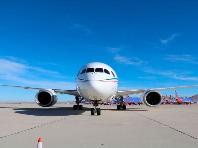 La base aérea militar participa en el regreso del avión presidencial.
