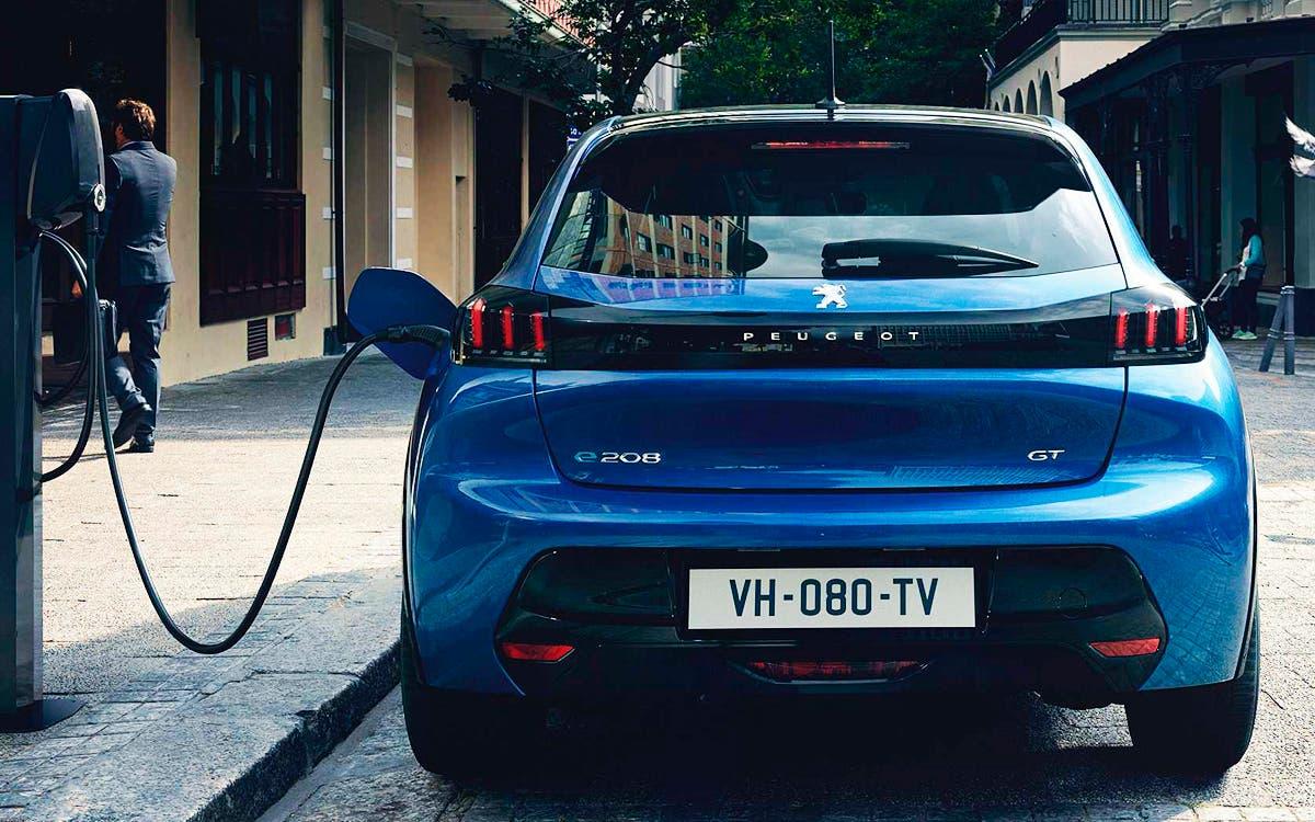 Mantener un automóvil eléctrico en comparación con uno de combustión - Noticias - Híbridos և Eléctrico