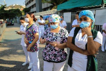 El IMSS tendrá acceso seguro y asequible a los medicamentos (Foto de EFE / David Guzmán)