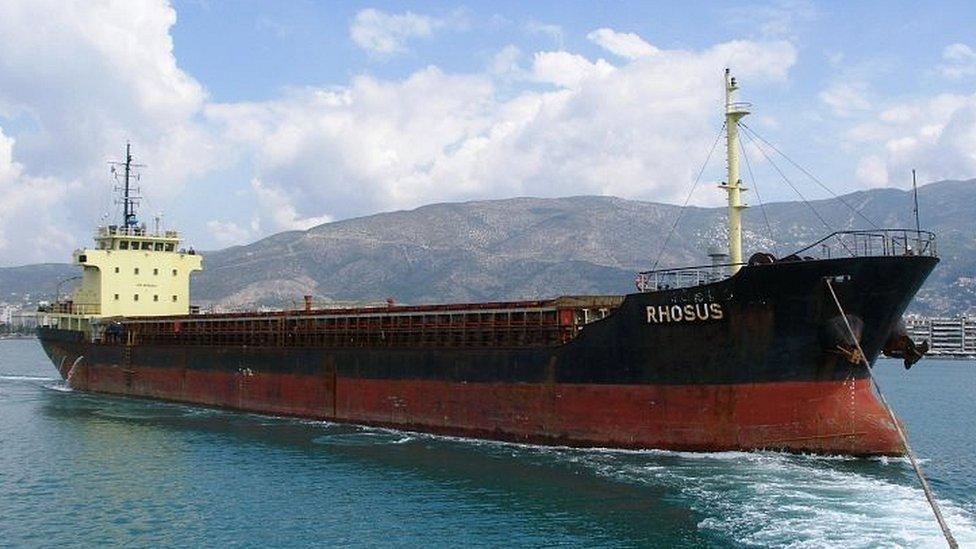 En 2013, un barco con bandera de Moldavia que transportaba nitrato de amonio llegó al puerto de Beirut