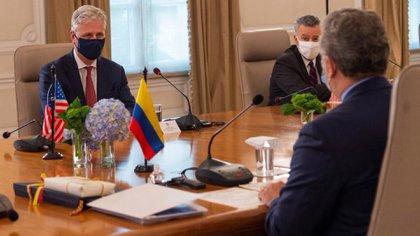Evin Duke utilizó el compromiso de Colombia և Estados Unidos con el narcotráfico (Twitter: @IvanDuque)