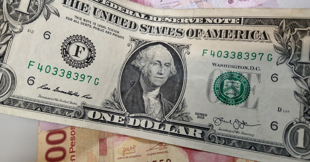 ¿Cuál es el tipo de cambio del dólar hoy, lunes, al cierre?