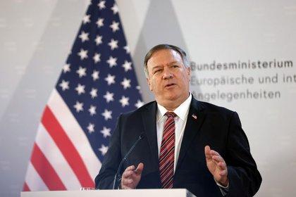 """Mike Pompeo asegura que Estados Unidos seguirá presionando al régimen de Assad """"para obligarlo a detener sus ataques contra el pueblo sirio"""