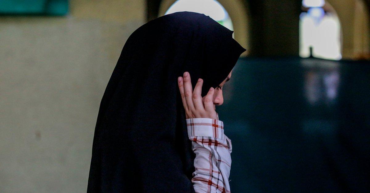 Drama en Francia.  Adolescente musulmana afeitada, golpeada por sus padres por enamorarse de un cristiano