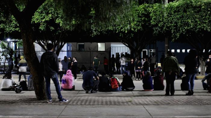 La red feminista de León acudió a varias delegaciones de la CEPOL a esperar la llegada de las detenidas.