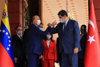 Turquía envía miles de pruebas rápidas a Venezuela (Palacio de Miraflores / manual vía REUTERS)