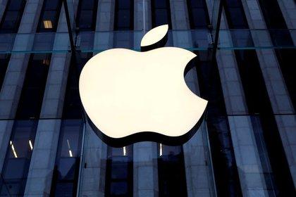 iOS 14 requerirá que las aplicaciones soliciten permiso para recopilar datos, permitir que los anuncios rastreen a los usuarios en línea (Foto de Mike Segar / Reuters)