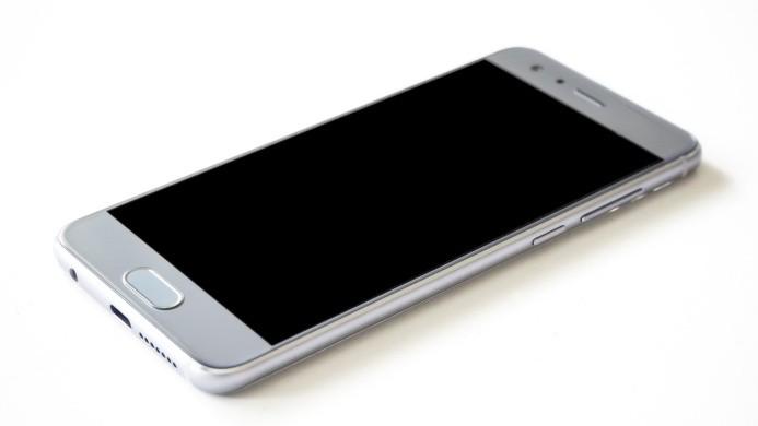 Al comprar un teléfono celular, debe configurarlo correctamente.  Foto de Pixabay