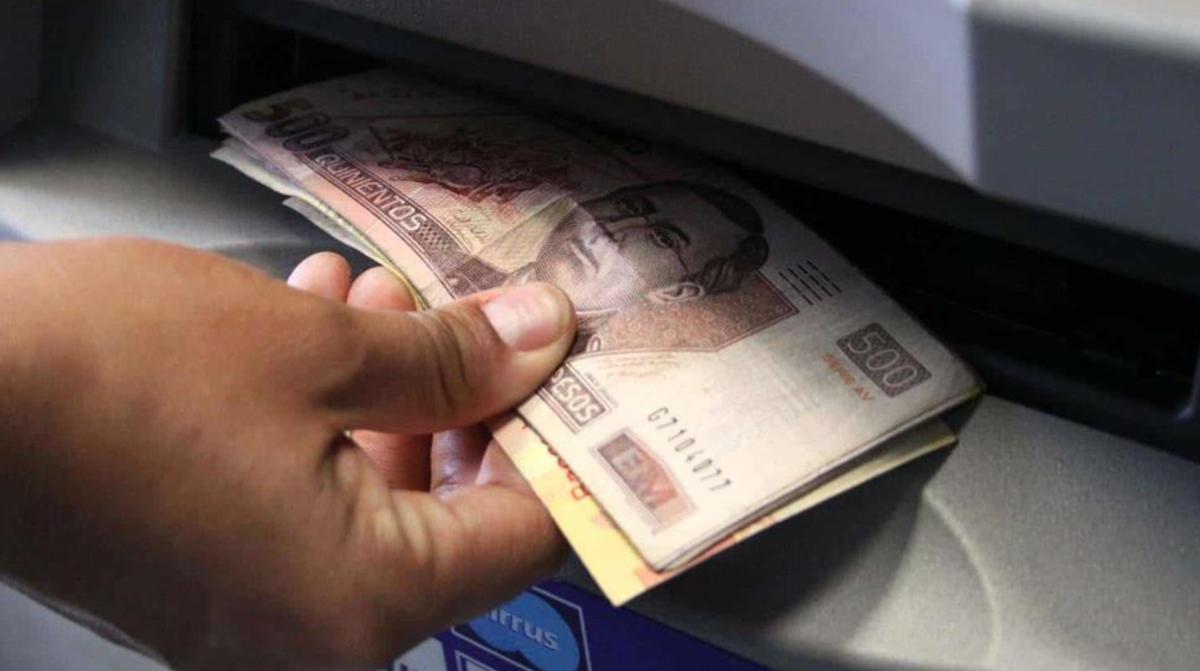 ¿Qué sucede si obtiene una cuenta falsa de un cajero automático o la ventanilla de un banco?