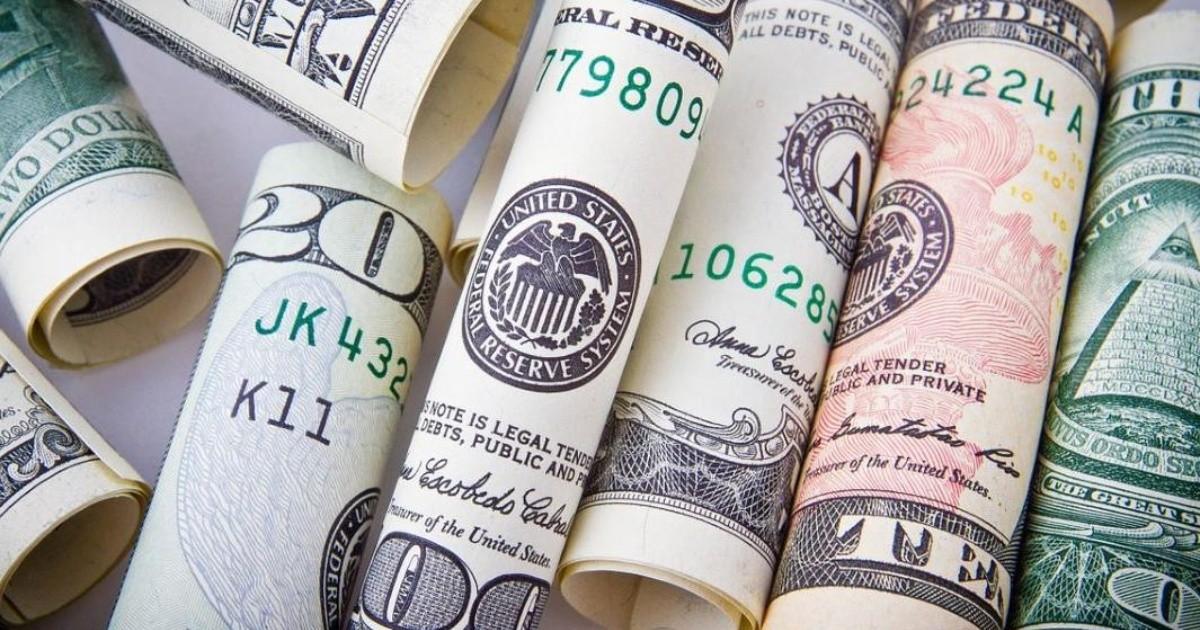 El precio del dólar está cerrado hoy viernes, ¿cuál es el tipo de cambio?
