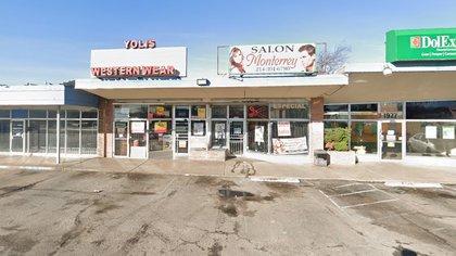 Yoli's Western Wear, una pequeña empresa de ropa ubicada en Bukner Boulevard, Dallas lavó dinero para CJNG (Foto de Google Maps)