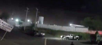 Según el video publicado, las fuerzas de seguridad están persiguiendo a los presuntos delincuentes, al menos uno de ellos ha recibido la orden de muerte (Foto: captura de pantalla)