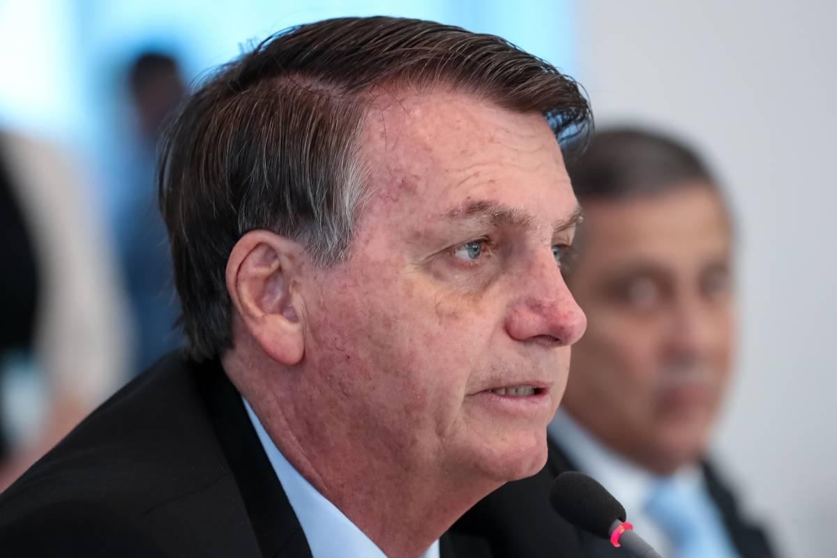 Coronavirus.- Bolsonaro veta el pago para trabajadores de la salud con discapacidades por coronavirus