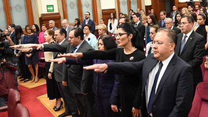 El proceso de oposición para elegir jueces de distrito en 2018 se canceló debido a violaciones (foto ilustrada por Quartoskuro)