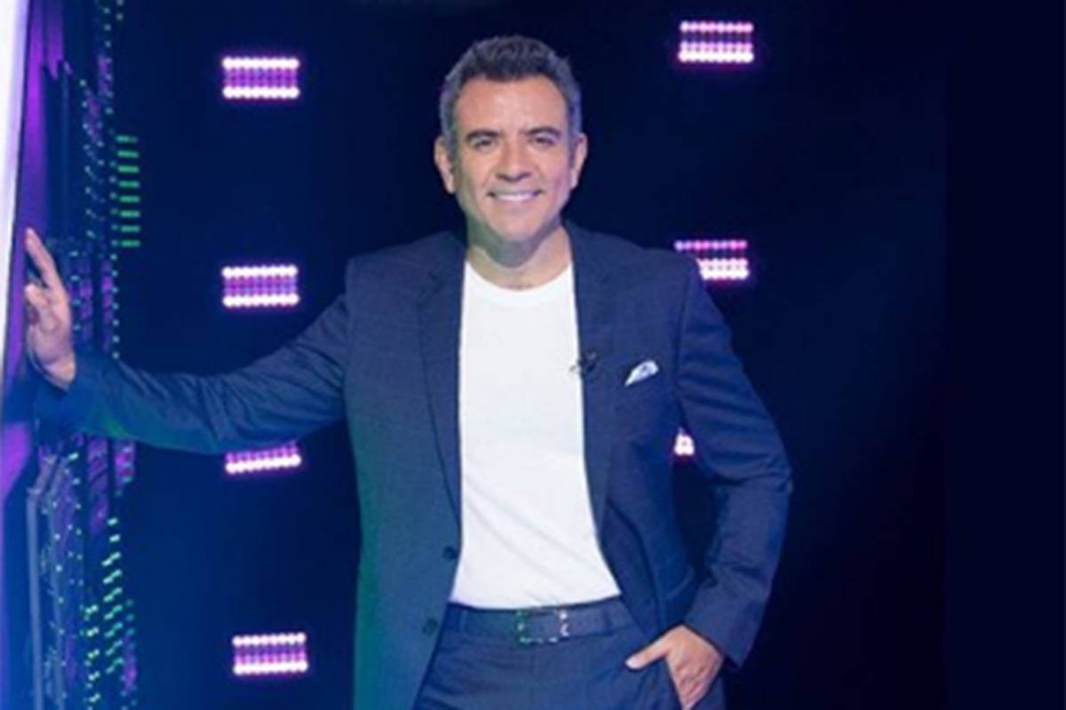 Héctor Sandart sorprende con el lujoso vestuario que tiene en Minoto para ganar un VIP