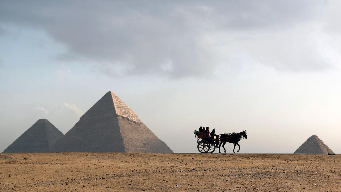 Musk afirma que las pirámides de Egipto fueron construidas por extraterrestres, el gobierno le responde