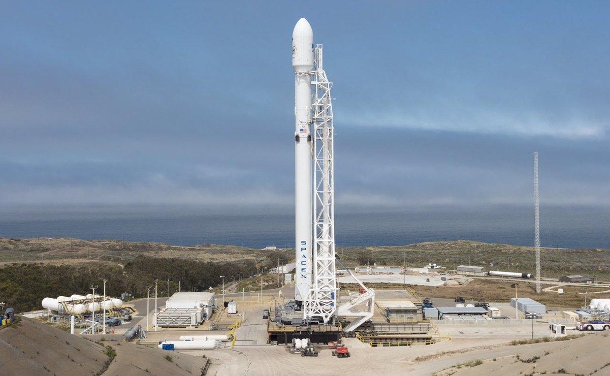 SpaceX aplaza un lanzamiento pero mantiene para hoy el de satélite argentino