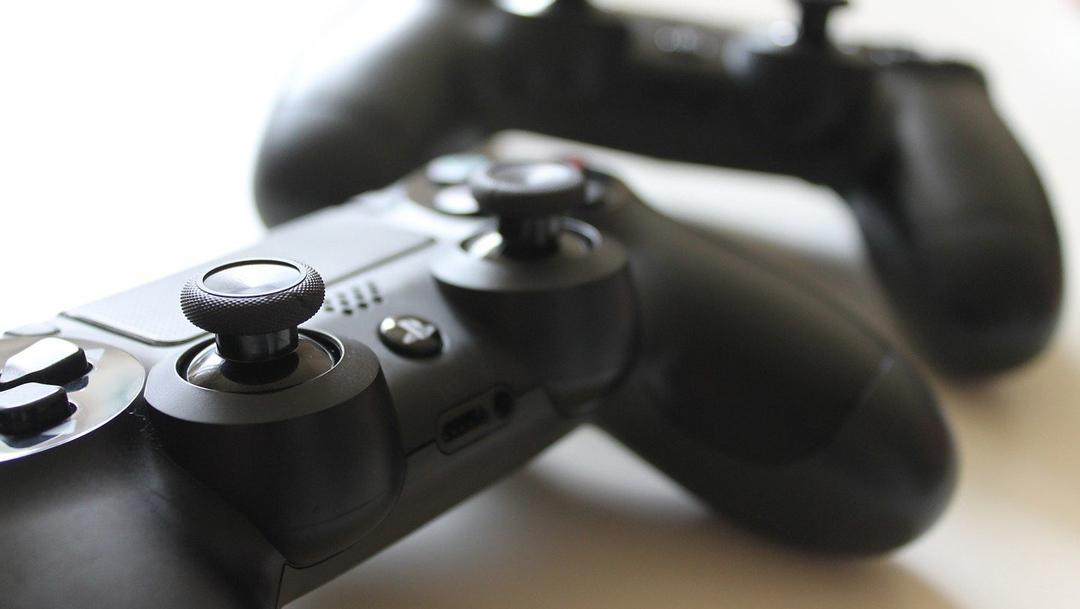 PlayStation contrata gente para jugar videojuegos - Noticieros Televisa