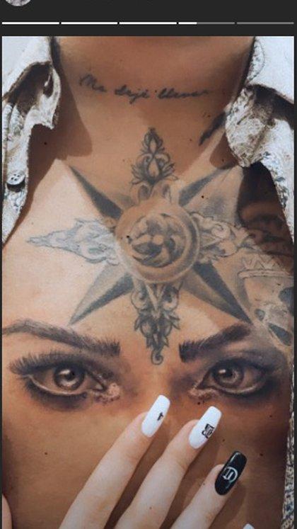 Belinda muestra el tatuaje de su novio en su honor (Foto: Instagram @ belindapop)
