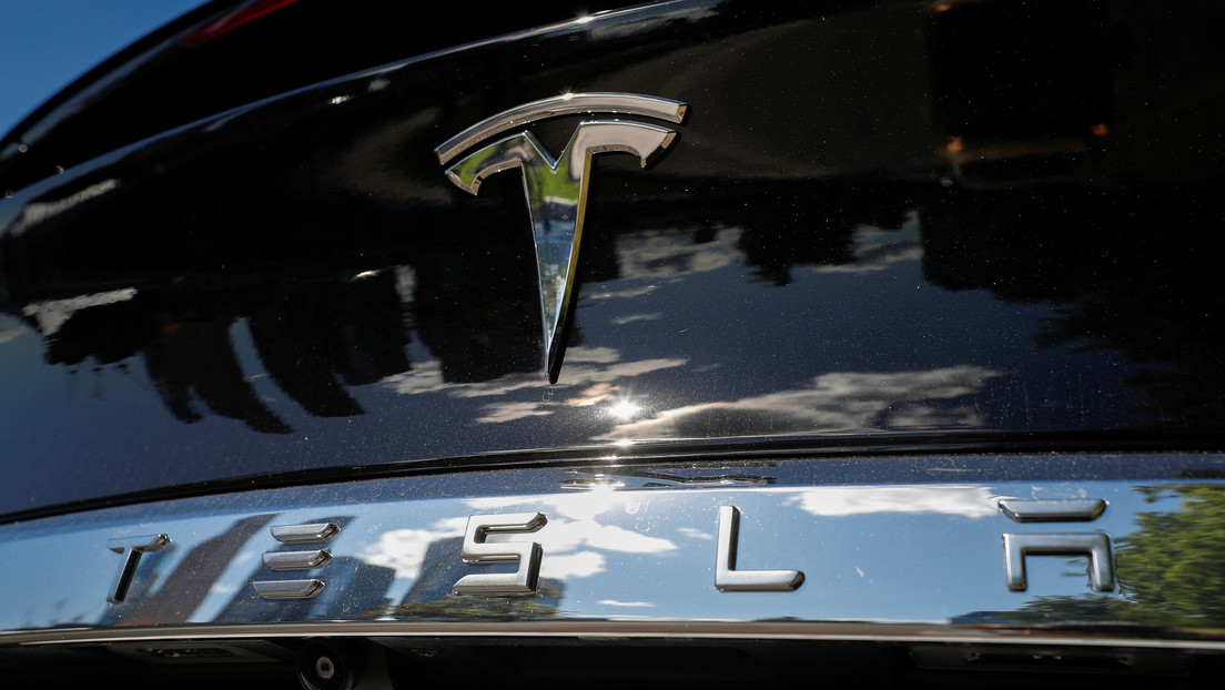 Las acciones de Tesla están cayendo más del 21%, que es la peor de su historia