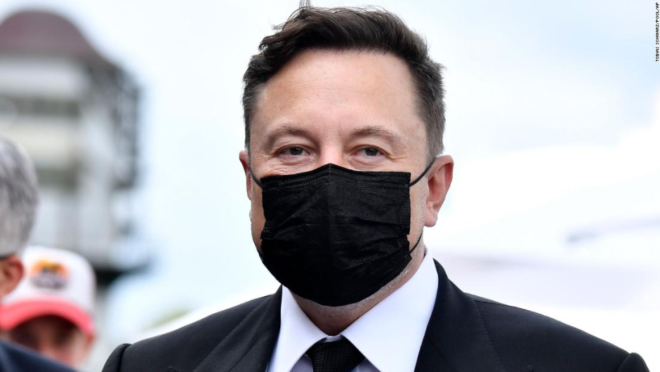 Elon Musk se puso sobrio de Bill Gates.