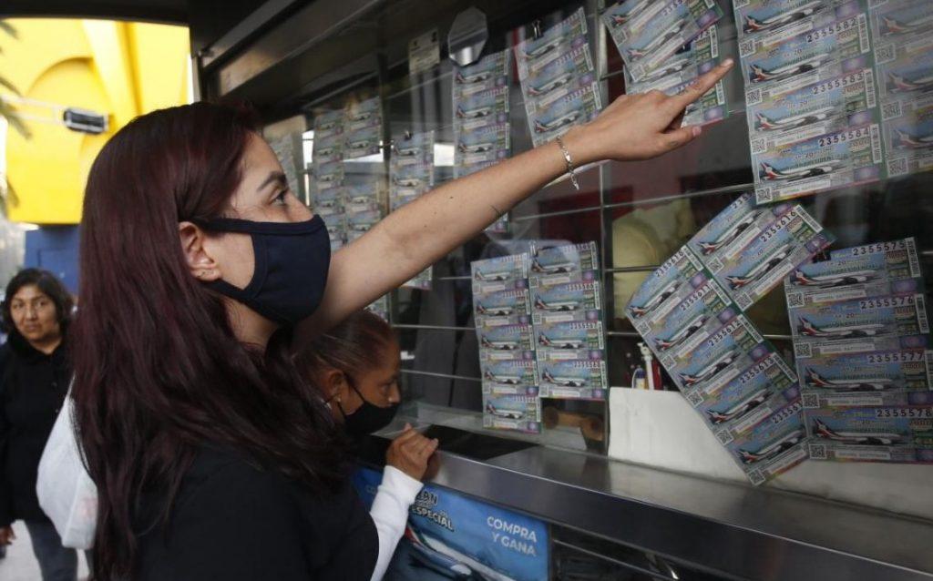 Los ganadores de la lotería de aviones presidenciales compran líneas para comprarlas
