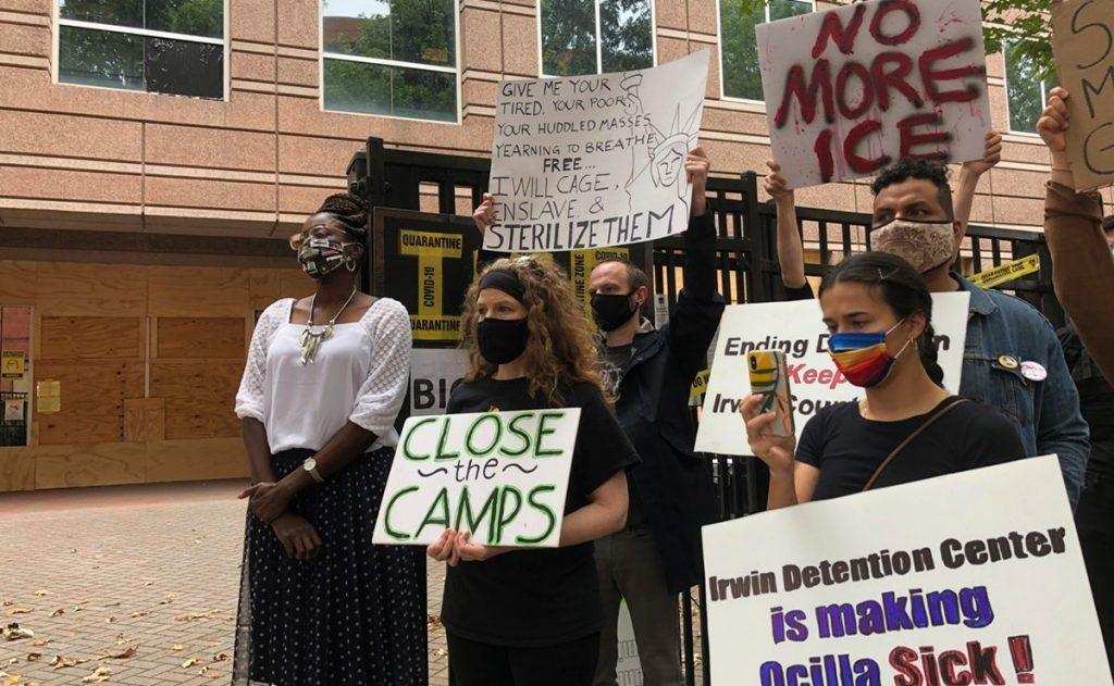 Quadratín: Ginecólogo acusado de extraer matriz a mujeres migrantes ya no atenderá