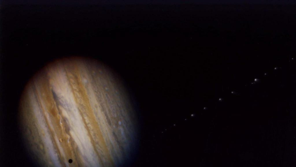 """""""Única y emocionante"""": El telescopio Hubble capta una tormenta blanca en Júpiter"""